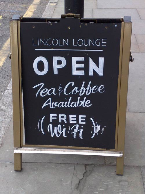 Sign for the Lincoln Lounge