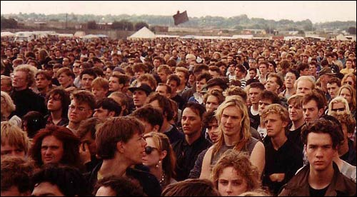© Gavin Wilby shot of the Sunday 1989 Reading Festival crowd