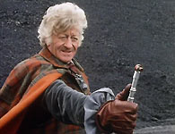Jon Pertwee brandishes the sonic screwdriver
