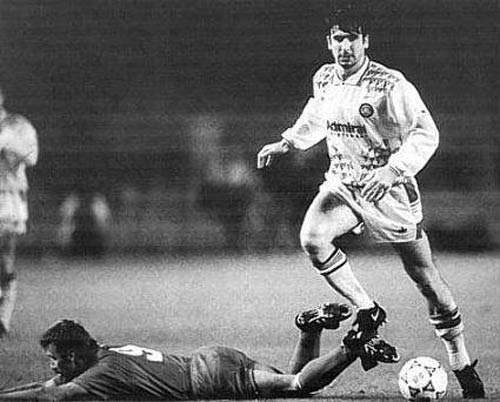 Eric Cantona in the European Cup for Leeds United against Stuttgart